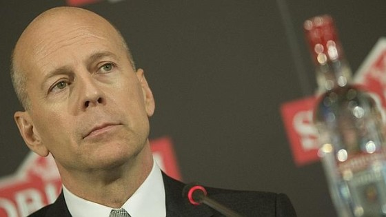 Bruce Willis piensa demandar a Apple por sus condiciones de uso