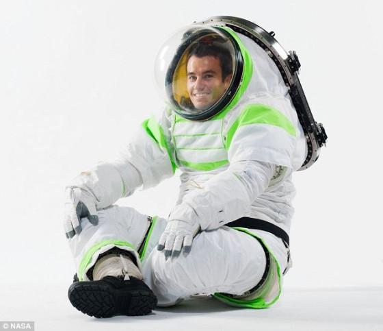 El nuevo traje espacial de la NASA se parece al de Buzz Lightyear