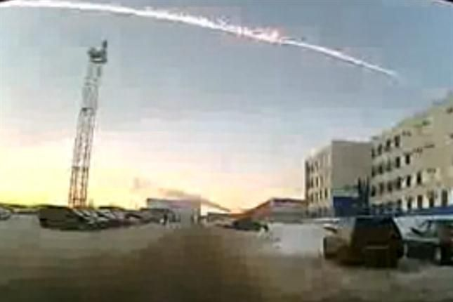 Meteoritos impactan en Rusia y causan daños y heridos