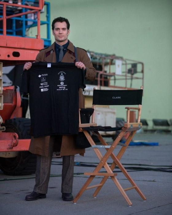 Primer vistazo a Henry Cavill como Clark Kent en 'Batman v Superman: Dawn of Justice'